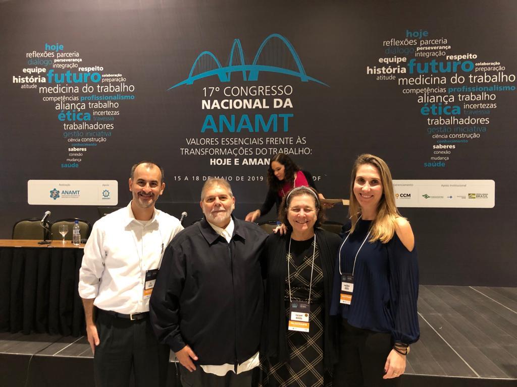 pesquisadores do fadigômetro em congresso da anamt.